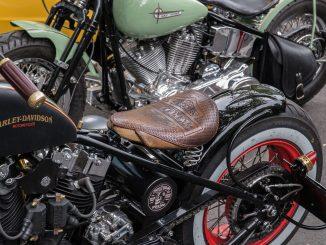 nettoyer cuir moto
