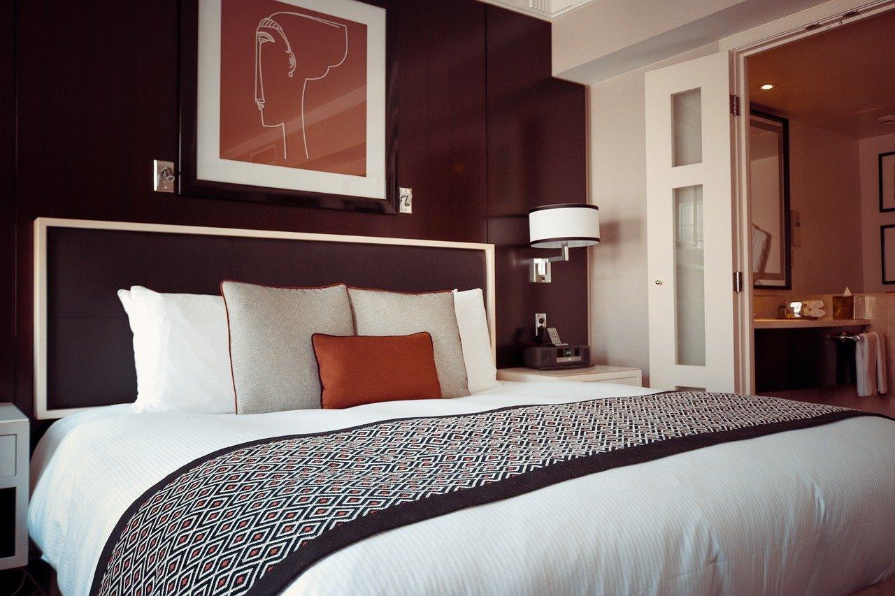 Wie vergleiche ich Zimmerpreise in Hotels   Queneau